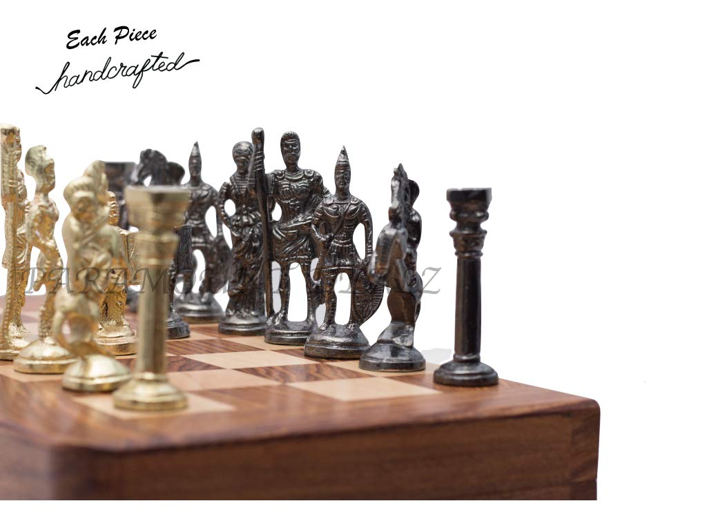 The different pieces of chess, in both the colors.