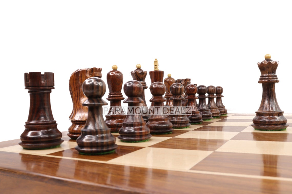"""Pramount Dealz Russian Zagreb 21"""" Wooden Chess Board with Chess Pieces and Chess Pieces Carry Pouch 