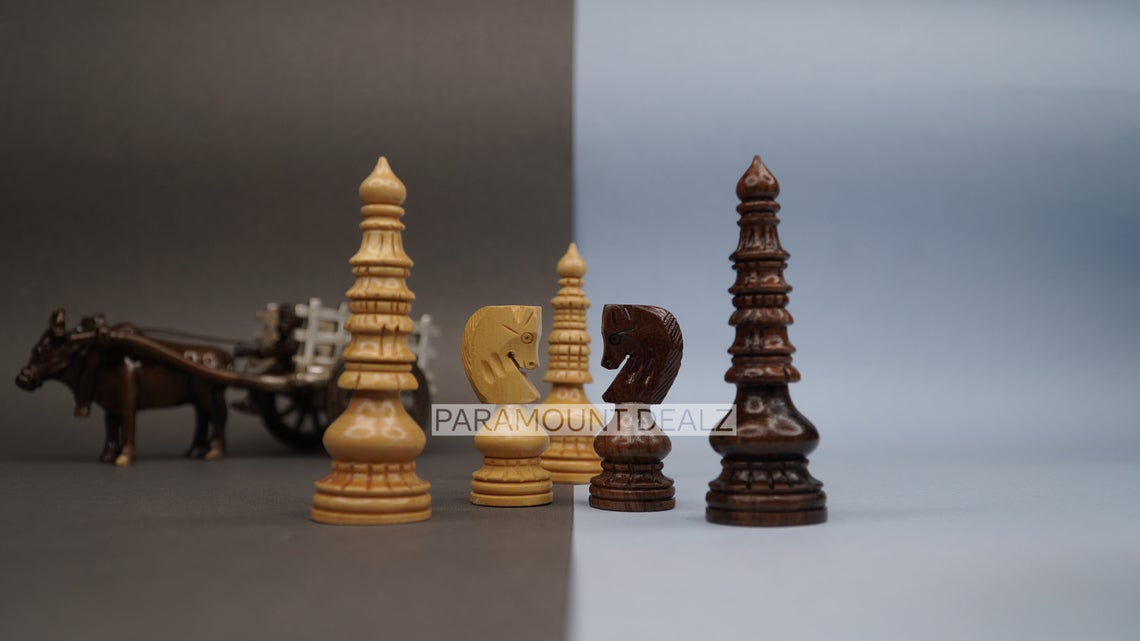Paramount Dealz Handcrafted Wooden Chess Pieces with Velvet Carry Pouch and Wooden Chess Box - Green Felt Bottom