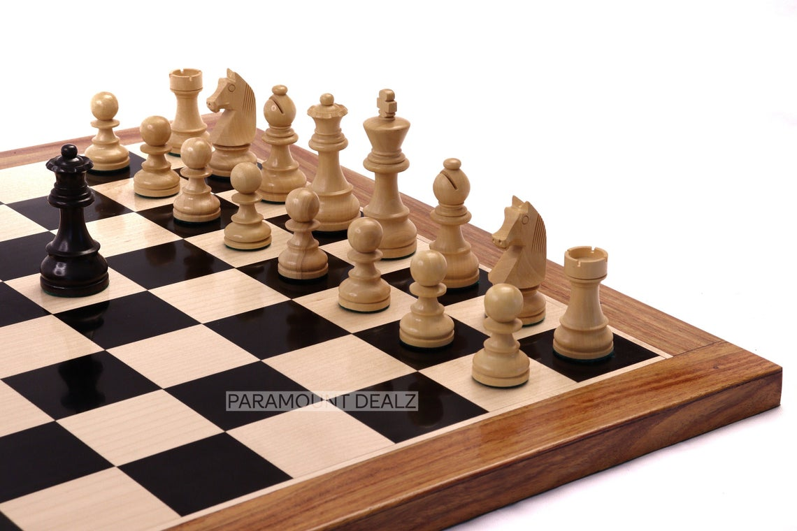 """Paramount Dealz Luxury Collection Wooden 19"""" Chess Board with Chess Pieces and Chess Box - Handcrafted by Indian Artisan by Indian Rosewood and Maplewood"""