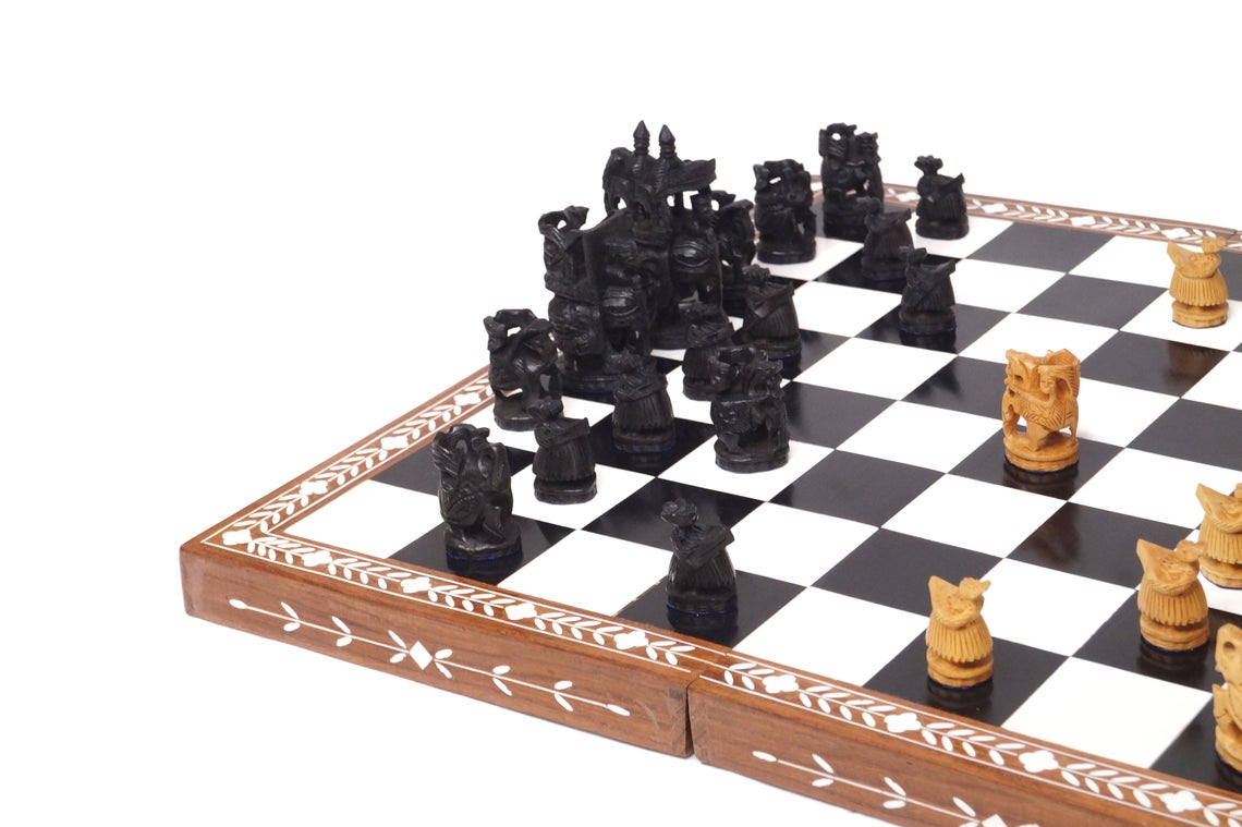 """Paramount Dealz Personalized Chess Board Game Set - 18"""" Wooden Chess Board with Royal Maharaja Chess Pieces, Carry Case and Chess Box"""