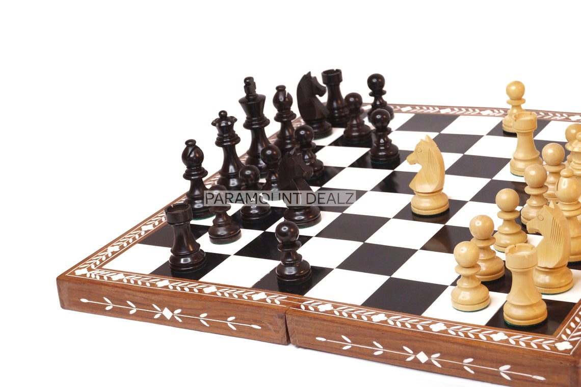 Paramount Dealz Personalized Handcrafted Inlaid Wooden Chess Board Game Set - Wooden Chess Board with Chess Pieces and Chess Carry Case